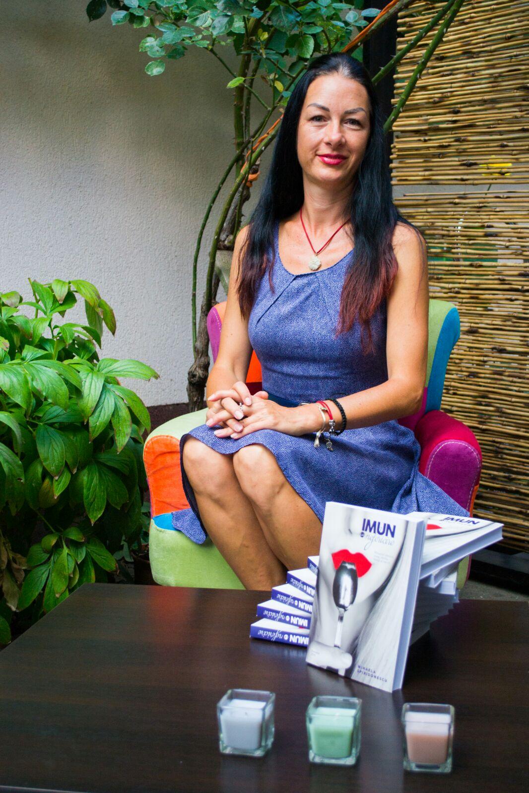 Prezentare de carte Imun la nefericire de Mihaela Spiridonescu in cadrul lansarii noului sediu